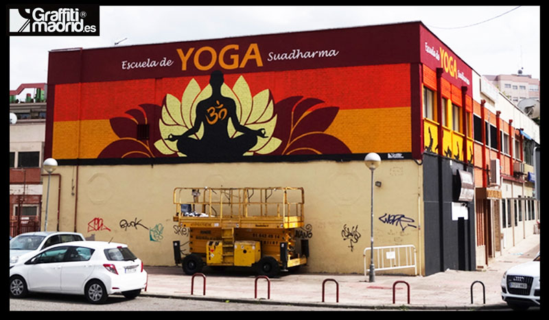 mural yoga madrid grafiti